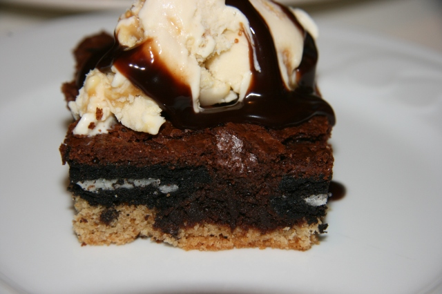 Oreo-cookies-brownie