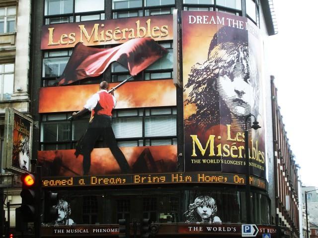 Les Misérables: LA comédie musicale!