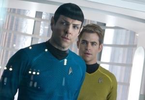 Y a quelqu'un derrière Spock!
