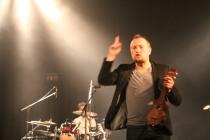 Les concert d'Oldelaf, c'est risquer de se faire pointer du doigt.