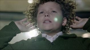 Quand il rajeunit, Sherlock change aussi la lumière des pointeurs