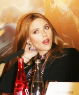 Glamourous Scarlett...